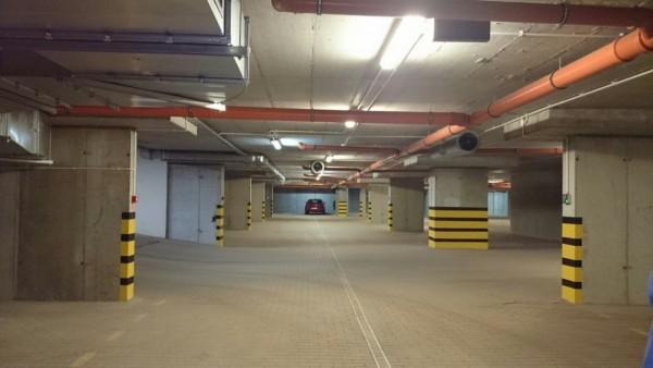 garaże pod budynkiem - Osiedle Platinum - Grodzisk Mazowiecki - developer
